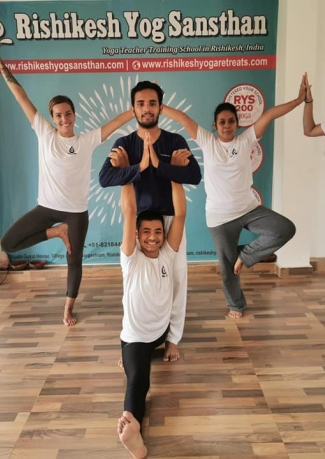 100 Hour Hatha Yoga Teacher Training In Rishikesh