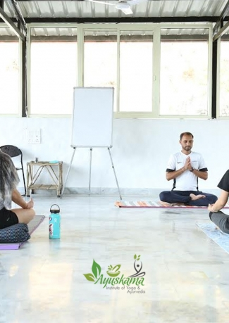 200 Hour Yoga Teacher Training Course In Rishikesh