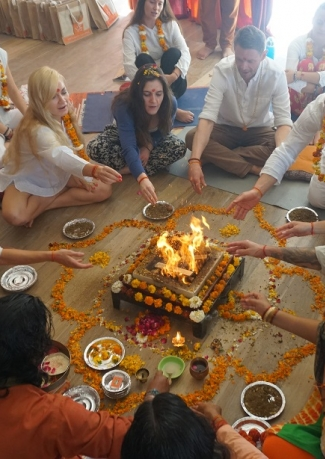 200 Hour Yoga Teacher Training in Rishikesh india -2020