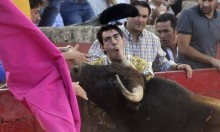 Shit Bullfighter Is Really Bad At Bullfighting