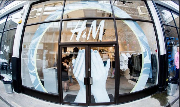We Partied At H&M's DIVIDED Pop-Up & It Was Great