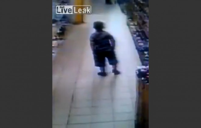 Kid Shits Pants In Supermarket, Executes Flawless Escape