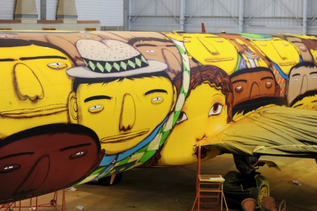 Os Gêmeos Paint the Brazilian National Team's Airplane