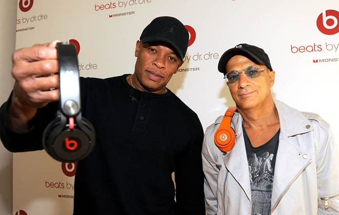 Apple buys Dr Dre's Beats for $3bn