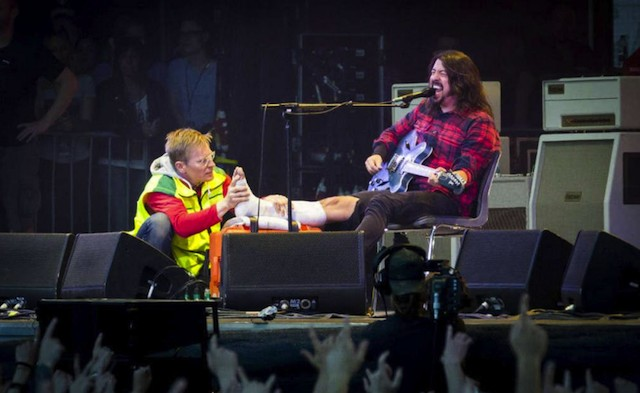 Here's Dave Grohl Falling Off A Stage