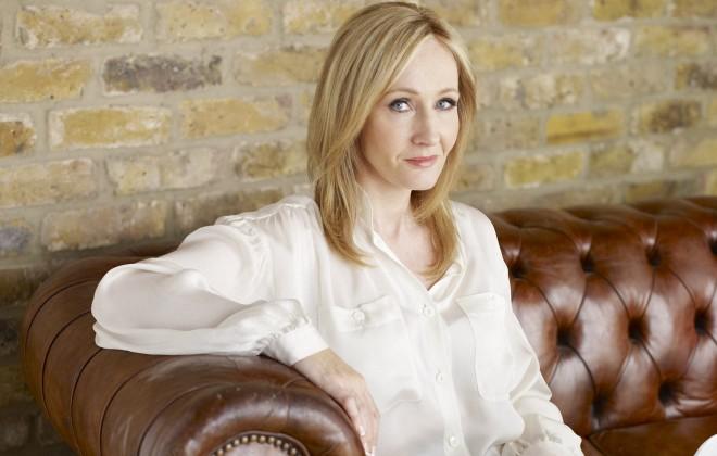 JK Rowling Owns Murdoch in 140 Characters
