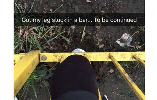 Jogger Gets Knee Caught In Fence, Snapchats Entire Ordeal