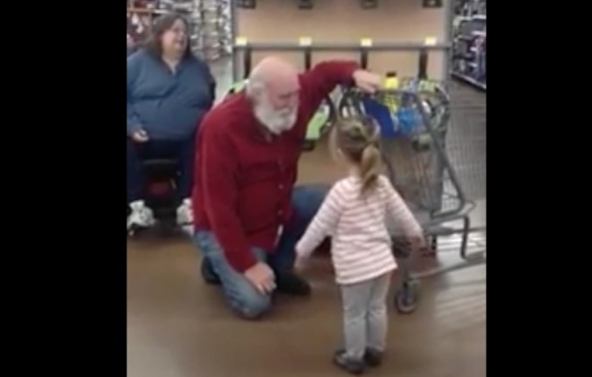 Child Mistakes Random Man For Santa, Hearts Melt