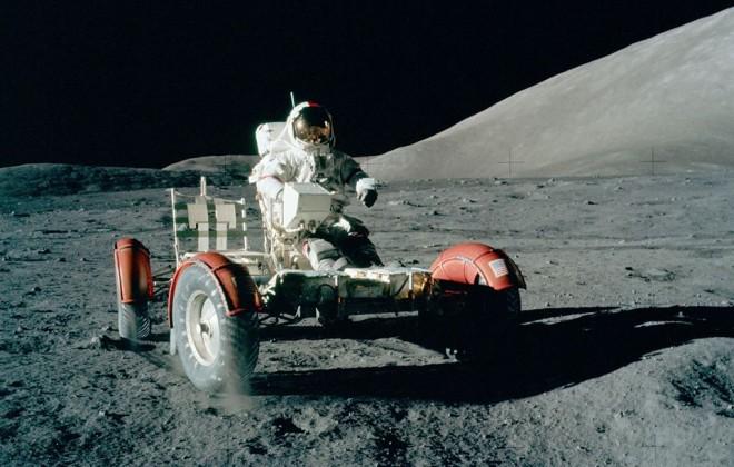 Explore The NASA Project Apollo Photo Archive