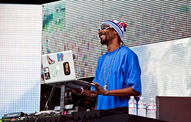 Snoop Dogg turns his hand to DJing