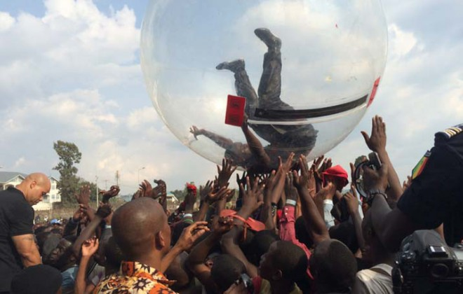 Akon Probably Didn't Crowdsurf In A Bubble Because Of Ebola