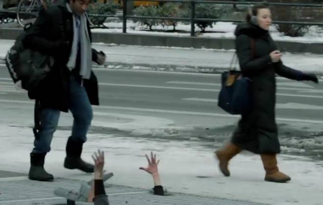 Walking Dead Zombie Prank Scares Shit Out of New Yorkers